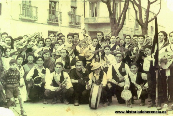 estudiantina-del-carnaval-de-herencia-1960