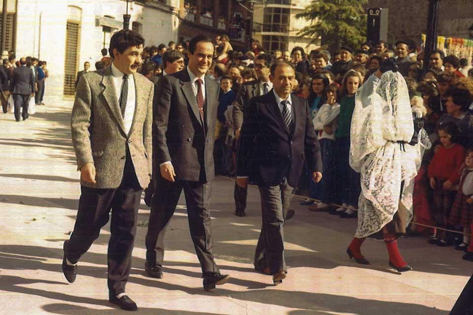 Jose Bono en el carnaval de herencia de 1987